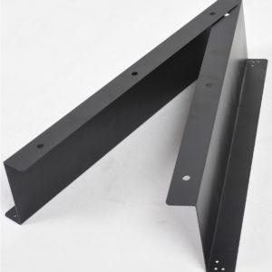 Kiinnikeraudat kassalaatikkoon EC-410B. Kiinnitysrautasarja rahalaatikolle. Sarjan avulla kiinnität kassalaatikon pöytätiskin alapintaan tukevasti.