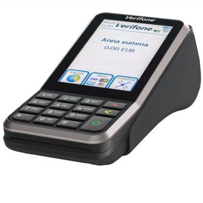 V400 on markkinoiden pienin ja nopein maksupääte. Kannettava V400 on markkinoiden pienin ja nopein maksupääte. 4G-, WiFi- ja Bluetooth-yhteyksillä toimiva langaton pääte on kaupantekijän joustavin kumppani tiskille, pöytiin tai vaikka messuille.